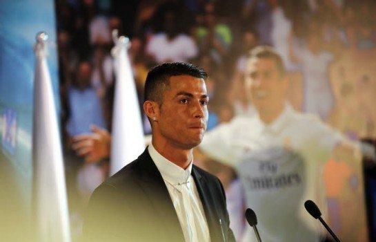 Cristiano Ronaldo bientôt remplacé par Robert Lewandowski au Real Madrid ?