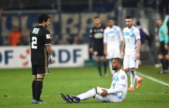 Courbis se moque de la note de Patrice Evra dans FIFA 2018