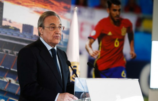 Florentino Pérez, le président du Real Madrid en conférence de presse.