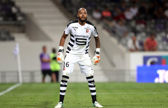 Le gardien international algérien Raïs M'Bolhi quitte le club — Stade Rennais