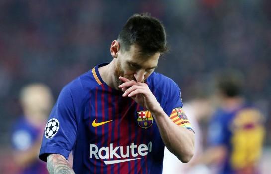 Lionel Messi signe un contrat avec Barça