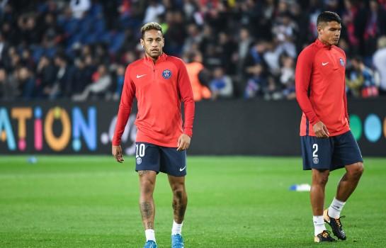 Thiago Silva et Neymar ont repris l'entraînement collectif avec leurs coéquipiers du PSG.