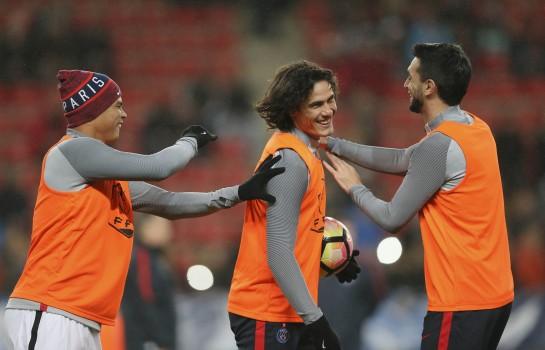 Thiago Silva a dénoncé publiquement les retards de ses coéquipiers Edinson Cavani et Javier Pastore.