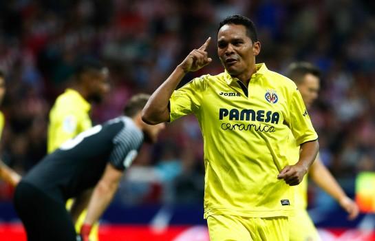 Carlos Bacca dans le groupe contre Lyon.