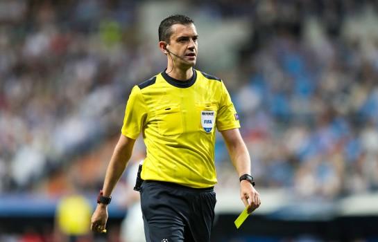 Viktor Kassai arbitre de OL - Villarreal jeudi soir.
