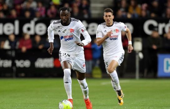 Scandale, Lacina Traoré accusé de fausse identité — Amiens SC