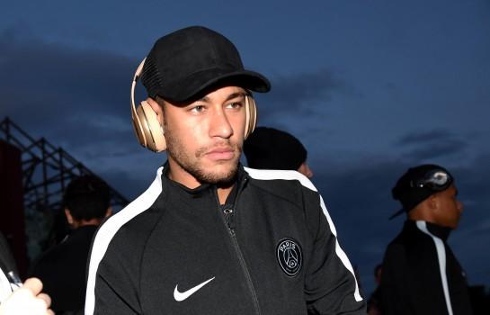 Neymar sera de retour à Paris à la fin de la semaine prochaine.