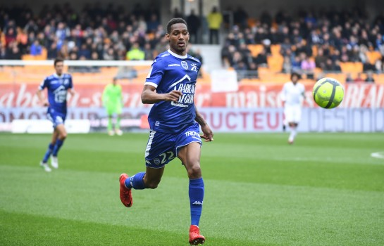 Christophe Hérelle, défenseur central de l'ES Troyes AC.
