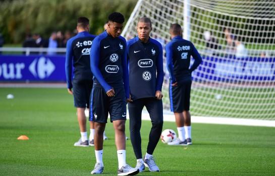Presnel Kimpembe et Kylian Mbappé seront au Mondial 2018 avec l'équipe de France.