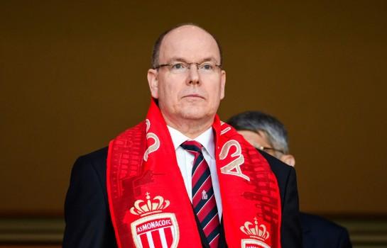 Le Prince Albert II inquiet pour l'AS Monaco menacée de relégation.