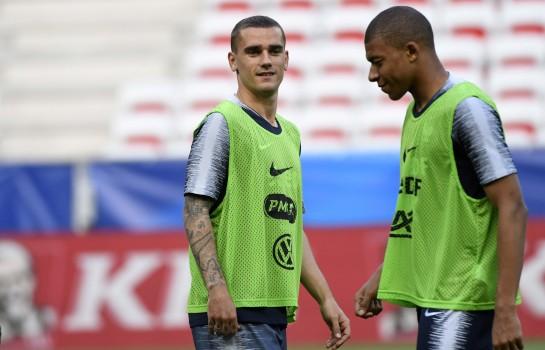 Antoine Griezmann et Kylian Mbappé à l'entraînement de l'équipe de France.