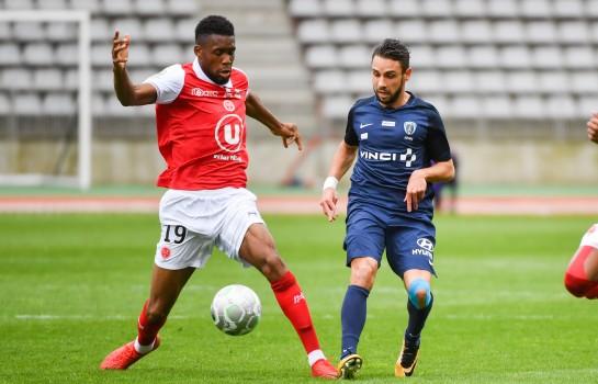 La première recrue a signé — Mercato Stade Rennais