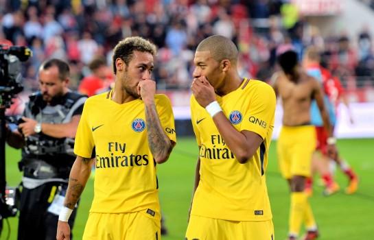 Kylian Mbappé et Neymar, attaquants du PSG.