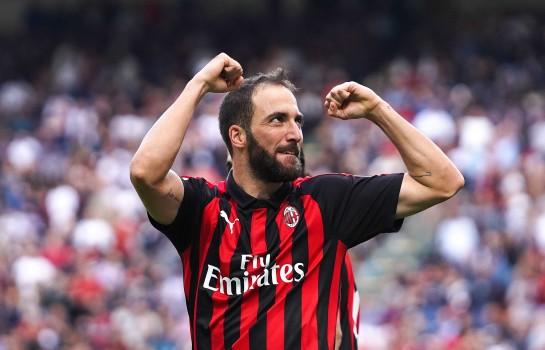 La Juventus Turin exige un transfert sec pour Gonzalo Higuain.