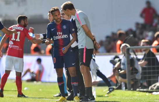 Thomas Tuchel ne lâche pas le numéro 10 du PSG Neymar durant la durée de sa blessure
