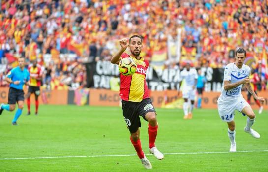 Le capitaine du RC Lens Walid Mesloub a laissé Yannick Gomis se charger du penalty face à l'AS Béziers.