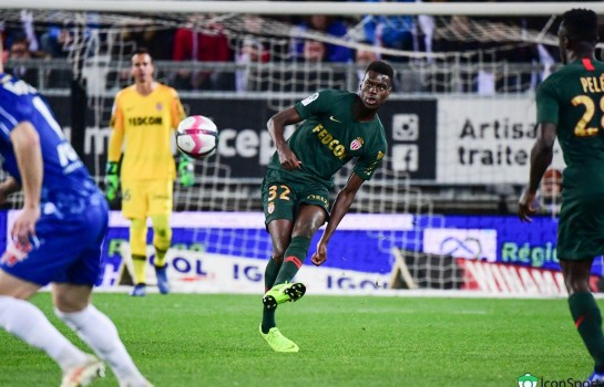 Benoît Badiashile, défenseur central de l'AS Monaco.