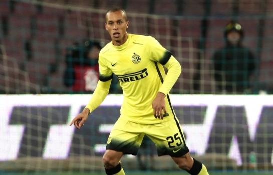 Joao Miranda, joueur de l' Inter Milan, hésite entre l' OM et l' AS Monaco