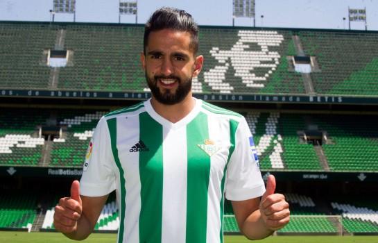 Le nouveau joueur du Celta Vigo Ryad Boudebouz a été présenté devant la presse ce mardi.