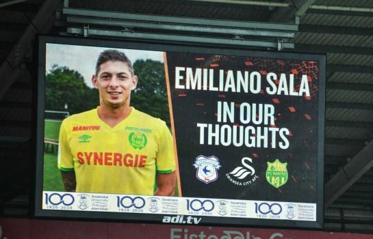 Emiliano Sala décédé suite à l'accident de son avion en mer.