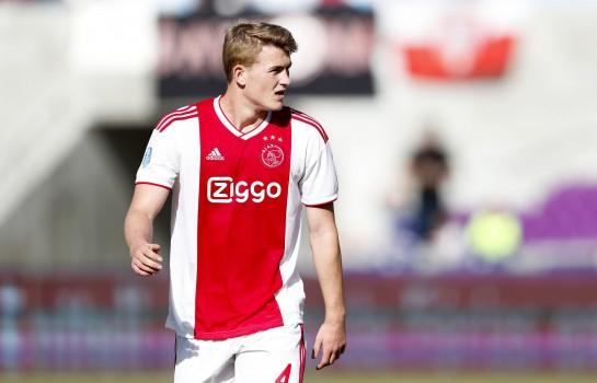 Le PSG envisagerait de recruter Matthijs De Ligt.