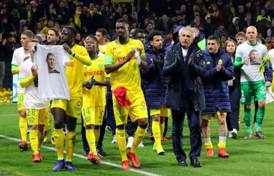Hommage du FC Nantes à Emiliano Sala disparu dans l'accident de son avion.