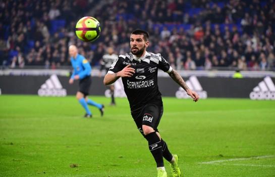 Pedro Rebocho, défenseur de l'EA Guingamp répond pour l' OM.