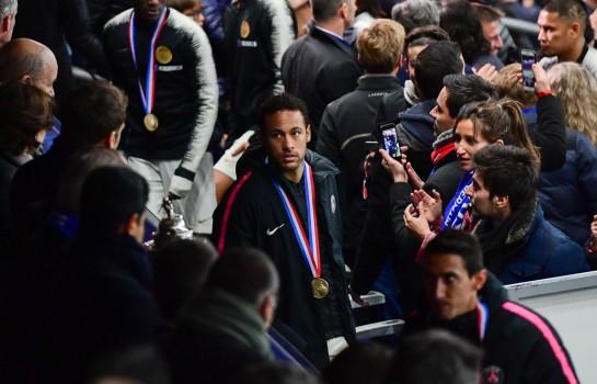 Neymar a giflé un fan du Stade Rennais après la finale de la Coupe de France.