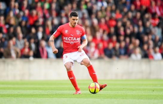 Une offre de Rennes pour Anthony Briançon, joueur du Nîmes Olympique, visé par l' OM