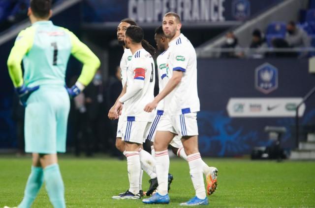 Slimani et Denayer incertains contre l'AS Monaco