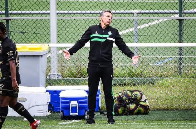 Claude Puel en danger contre Lyon