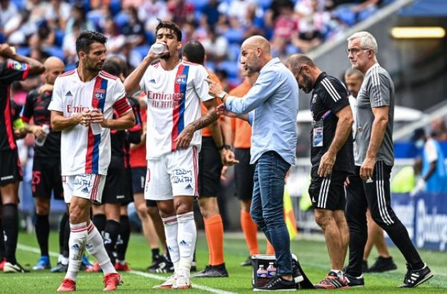 Dubois et Paqueta incertains pour le prochain match de Lyon