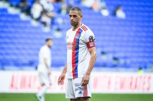 Islam Sliman remplaçant à l'Olympique Lyonnais