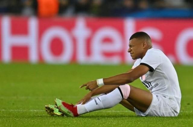 Kylian Mbappé touché à la cheville