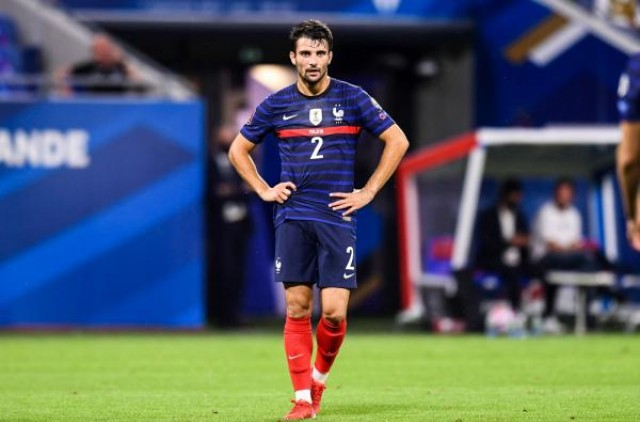 Léo Dubois blessé au mollet avec l'équipe de France