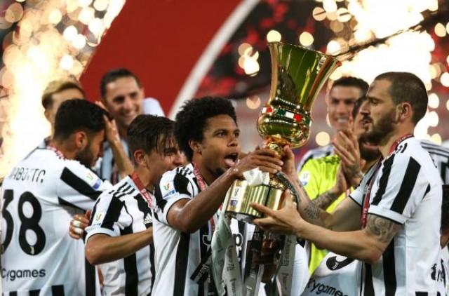 Weston McKenne vers la sortie à la Juventus de Turin