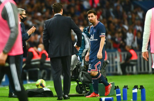 He's really not happy to go out, leo messi. PSG-OL (2-1)