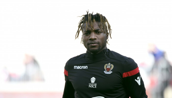 ogc nice mercato offre de l 39 ac milan pour saint maximin. Black Bedroom Furniture Sets. Home Design Ideas