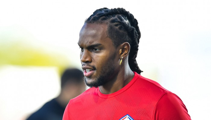 Against Sevilla, Renato Sanches receives a warning