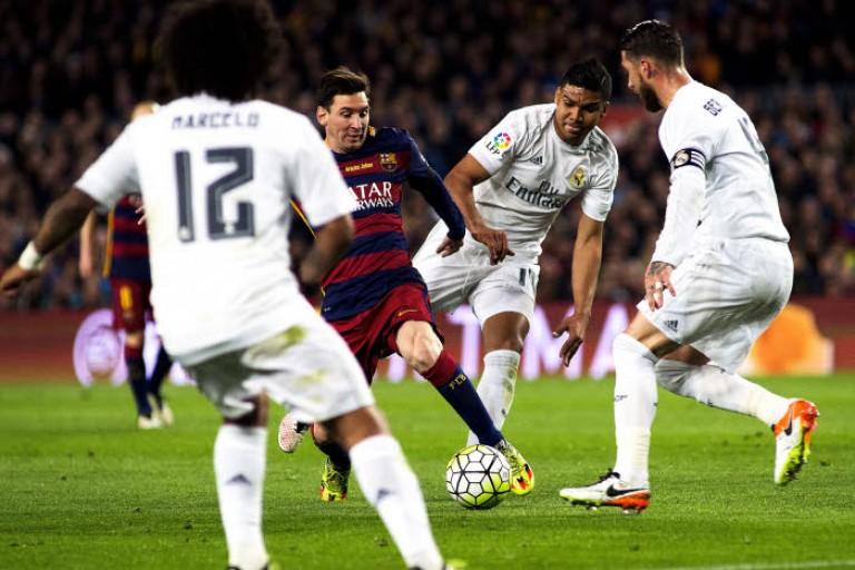 Liga : la population et les arbitres espagnols seraient plus favorables au Real Madrid qu'au Barça