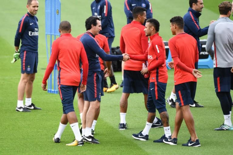 Emery récupère les derniers blessés.