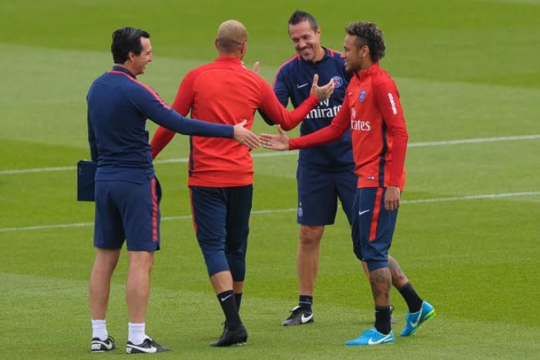 Neymar et Unai Emery se sont parlés avant la trêve internationale du mois de novembre.