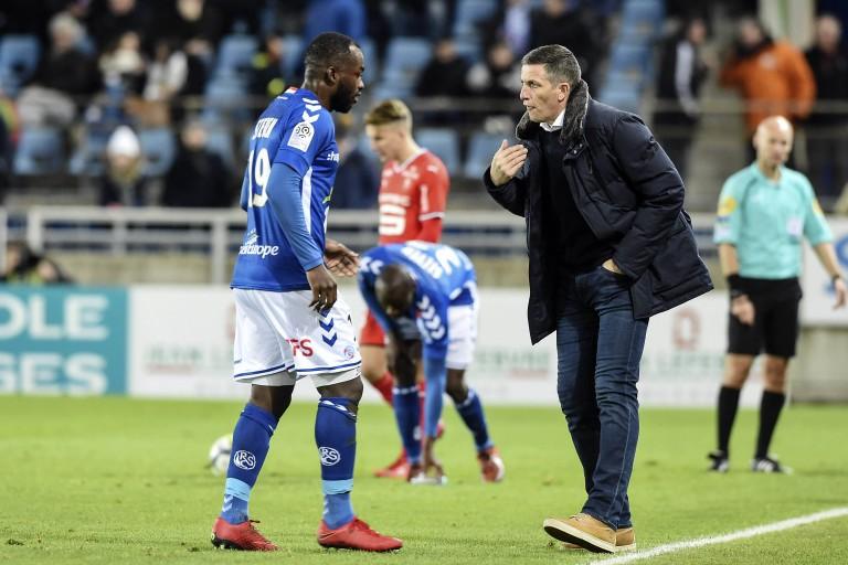 Stéphane Bahoken, ex-attaquant de Strasbourg débarqué librement à Angers.