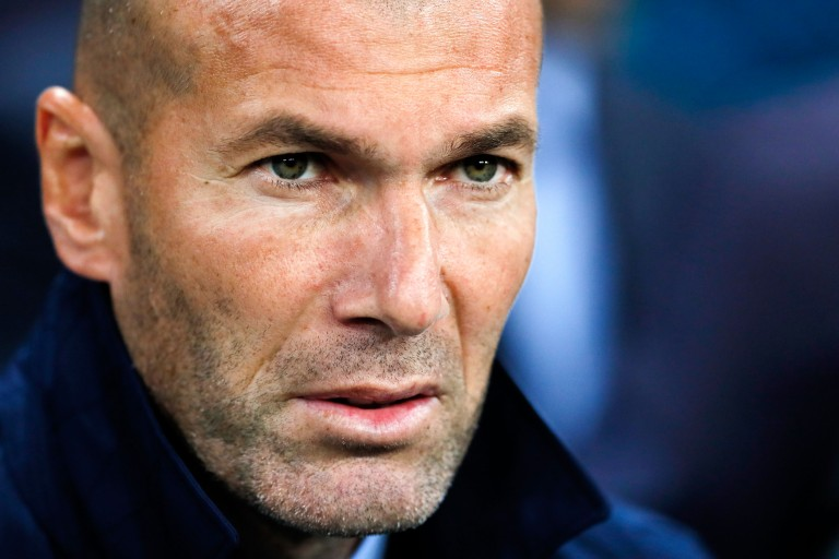Zinedine Zidane félicite les Bleus à sa manière.