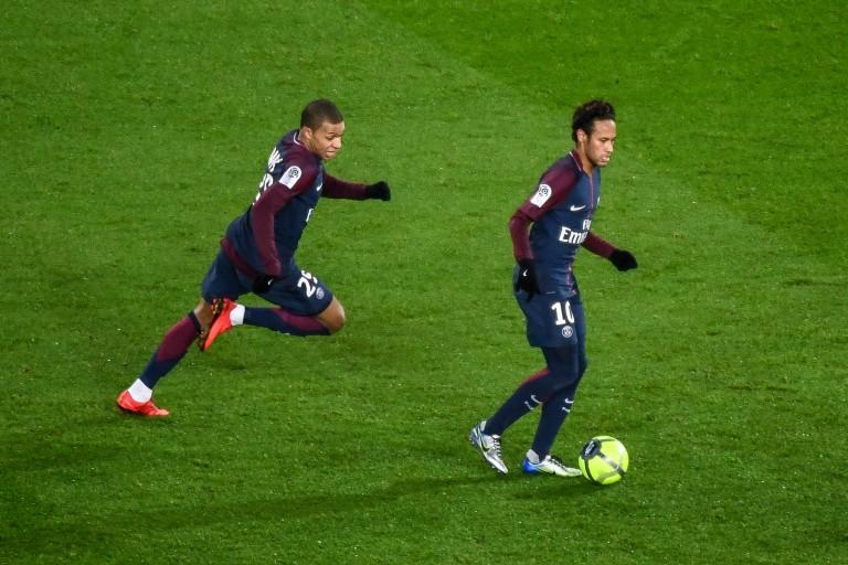 Au même âge, Kylian Mbappé est plus fort que Neymar.