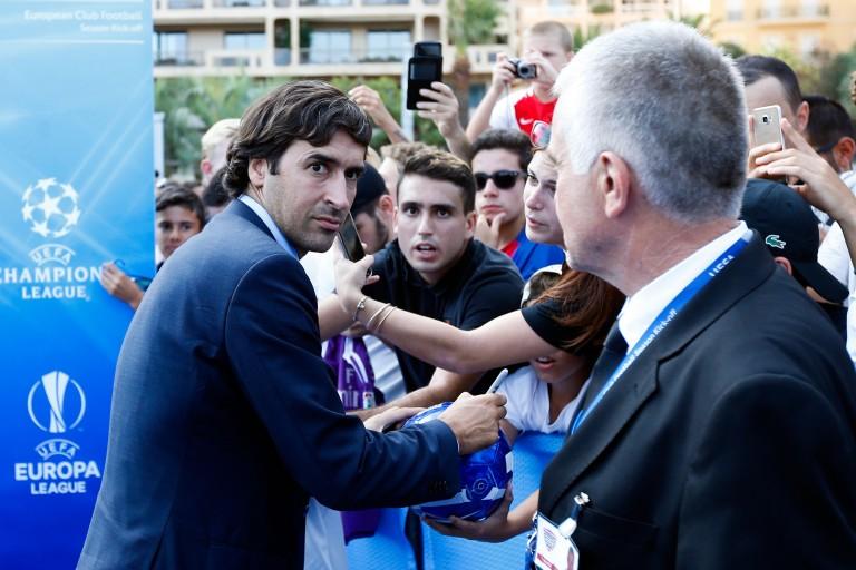 Raul Gonzalez Blanco promu au Real Madrid.