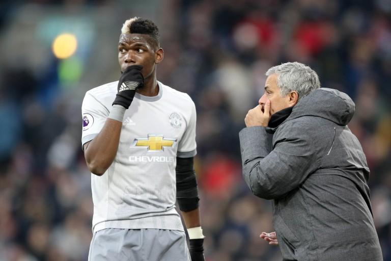 José Mourinho, entraîneur de Manchester United, et son milieu de terrain Paul Pogba.