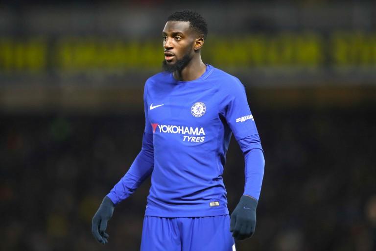 Pisté un temps par le PSG, Tiémoué Bakayoko pourrait finalement quitter Chelsea.