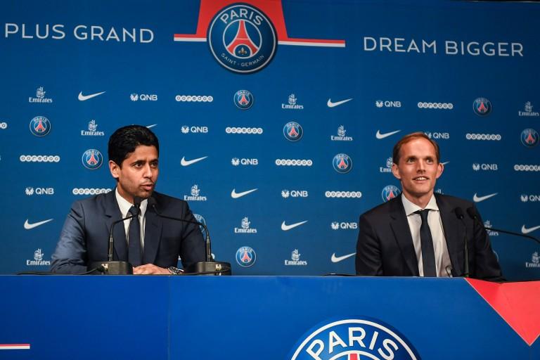 Thomas Tuchel et Nasser Al-Khelaïfi en conférence de presse.