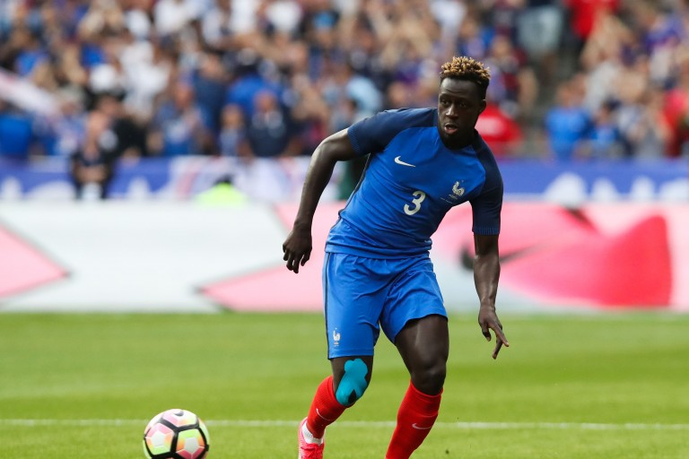 Benjamin Mendy, défenseur des Bleus est guéri selon Didier Deschamps.